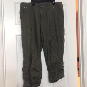 Ruched Hem curvy fit capris cropped pants